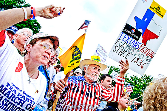 A close-up of Texans in the crowd at the DC Tea Party.