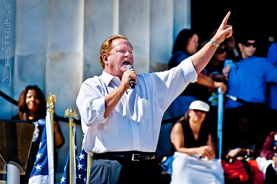 Ed Schultz speaking at the One Nation Working Together Rally at the Lincoln Memorial